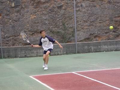 © Terrain de tennis municipal