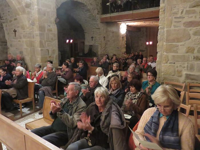 Le public, venu nombreux, a été enthousiasmé par la prestation des musiciens