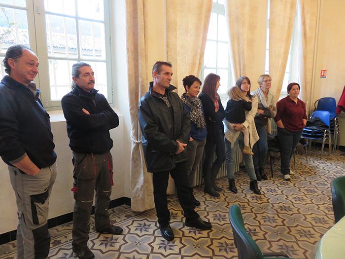 Les employés municipaux pendant le discours de Madame le maire