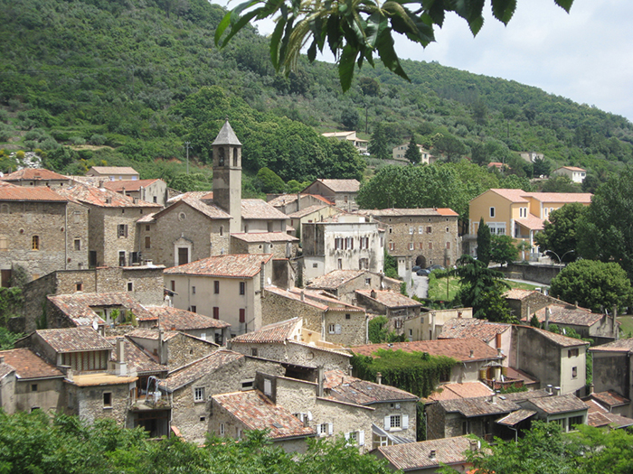 Le quartier médiéval où toutes les maisons ont été construites à la chaux