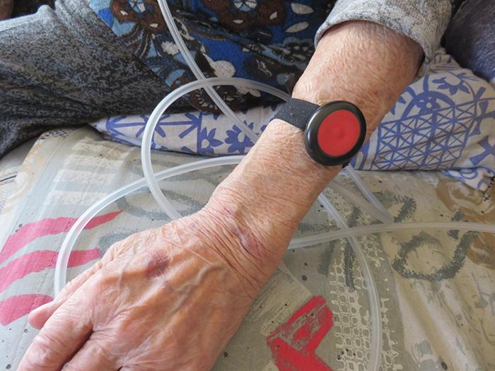Un bracelet d'alerte devenu bien inutile et beaucoup d'angoisse pour celles qui en ont un besoin impérieux
