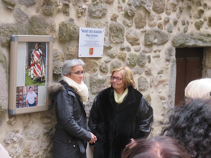 Chantal Germain a dévoilé la plaque sur la façade du musée