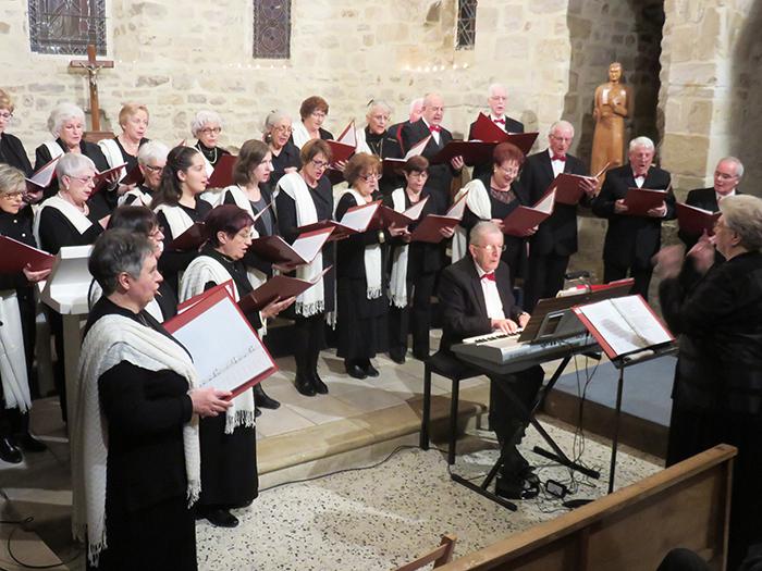 Les chants de Noël, interprétés par la chorale Magnificat ont ravi le nombreux public