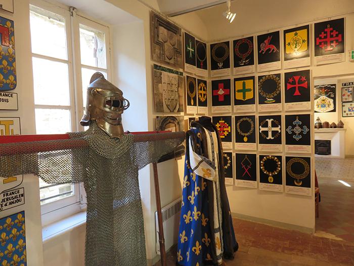 Armes et armures sont aussi présentes dans le musée