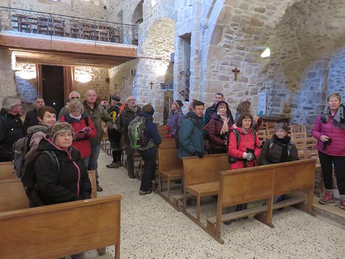 Le groupe adécouvert l'histoire du village et de l'église romane