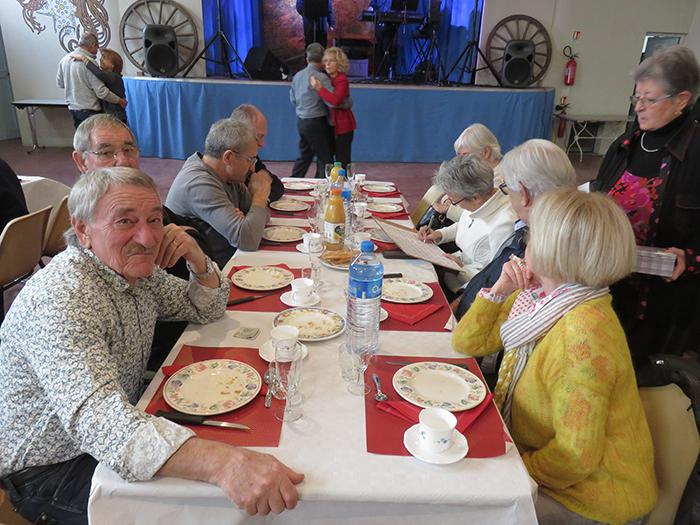 Les Prats et des membres du conseil municipal étaient présents