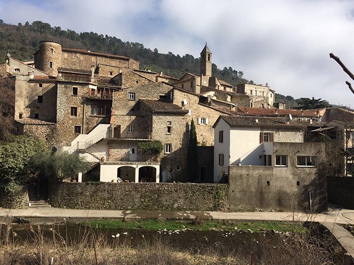 Saint Jean, un village au passé historique à découvrir